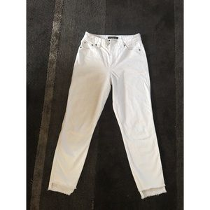 ABERCROMBIE & FITCH white jeans with fray details
